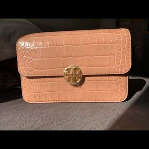 Very Chic Tory Burch Chelsea Embossed Leather bag